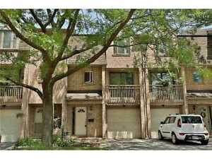 3 Bed / 3 Bath  Condo Townhouse in Rathwood For Sale