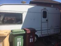 2 beer caravan