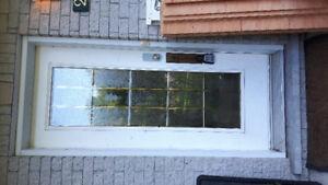 Porte blanche vitree en acier