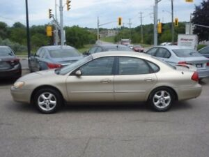 2001 Ford Taurus SE *ONLY 85,000 KM*