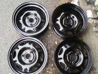 """Set steel wheels 15"""" Smart Delivery available"""