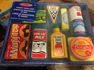 MELISSA & DOUG WOODEN PLAY FOOD BRAND NEW SEALED