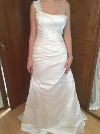 Maggie Sottero Wedding dress, size 10. Dry cleaned.