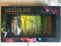 Gift box - 'Cocktail Bar' (x5 fruit mixers and shaker)