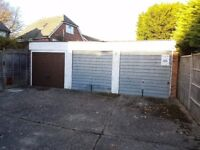 Garages to rent: Warborough Avenue Reading RG31 - ideal for storage