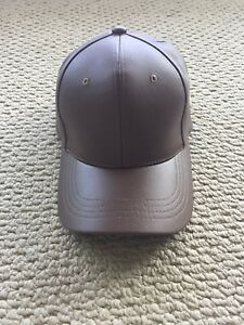 Women's faux leather hat