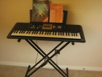 Yamaha YPT 220 keyboard in excellent condition.