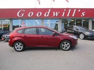 2013 Ford Focus SE! CLEAN CARPROOF! BACKUP CAMERA!