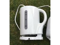 Low wattage camping kettle, like new