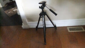 Velbon Victory 450 Deluxe Photo Tripod with Leg Braces