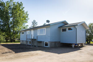 Upgraded Bungalow on Massive lot in Dundurn! Mins from Saskatoon