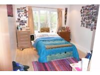 * BEAUTIFUL 2 BEDROOM FLAT * CLOSE TO CITY AND UNIVERSITY * WOULD SUIT STUDENTS OR PROFESSIONAL *