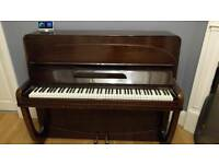 Stradmar Piano