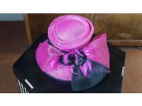 Designer Capelli Condici Raspberry Pink and black bow detail wedding hat Ex condition worn once