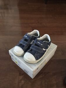 Boy Geox shoes size 10
