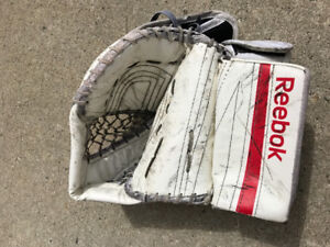 Jr goalie blocker/trapper set