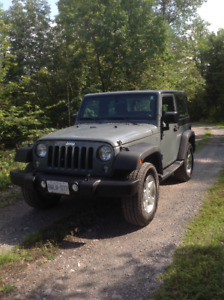 2015 Jeep Wrangler Sport , extremely low mileage