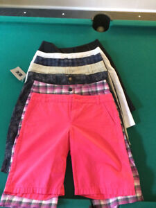 Female Golf Shorts -- Size 2 --