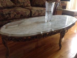 Tables en marbre.  Marble top tables.