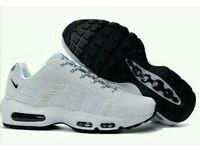 Air max 95 white size 9