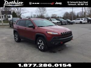 2014 Jeep Cherokee Trailhawk 4x4 | CLOTH | HEATED SEATS | REAR C