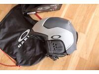 Oakley MOD5 Snow Helmet - Mens Size L - Boxed & New