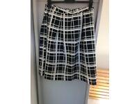 Women's size 12 M&S monochrome skirt