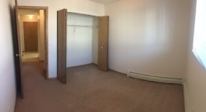 Spacious & Beautiful 2 Bedroom Suite - Call NOW!  306-931-8633