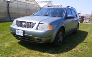 2007 Freestyle AWD Limited  edition low kms.