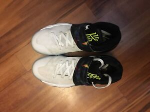 Perfect condition Kyrie 2's - size 8