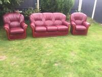 Rossini Italian leather luxury sofa suite. Couch & 2 armchairs. Can deliver today