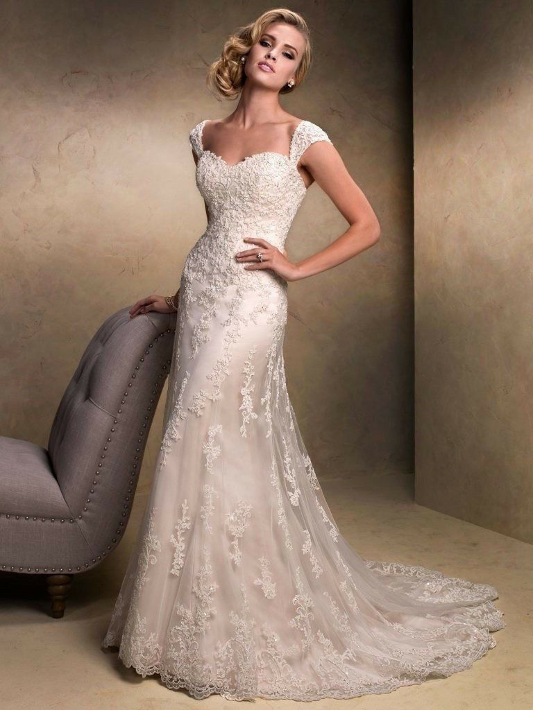 Amazing Wedding Dress Maggie Sottero, Ivory (size 14-16) | in ...