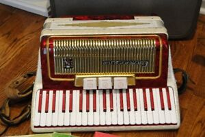 **Vintage Red and Gold Camerano Accordian**