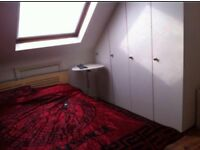 VERY LARGE ROOM TO RENT
