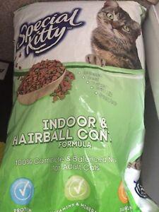 Full Large bag of Cat food!