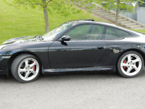 2002 Porsche 911 C4s Coupe (2 door)
