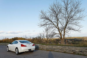 2010 Infiniti G37x Coupe (2 door) Accident Free! *REDUCED*