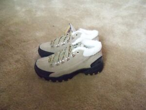 Hiking Boots, Ladies Size 7 BRAND NEW!! Leather