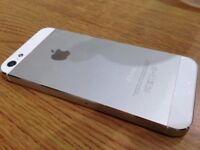 Apple Iphone 5 Silver. In lovely condition. On EE
