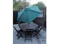 LARGE ROUND TABLE AND 6 CHAIRS***new parasol *** Teak Wood