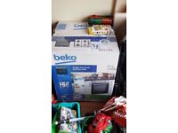 BEKO SINGLE FAN OVEN & GAS HOB BRAND NEW STILL WRAPPED (COLLECTION FROM LAKENHEATH NEAR BRANDON