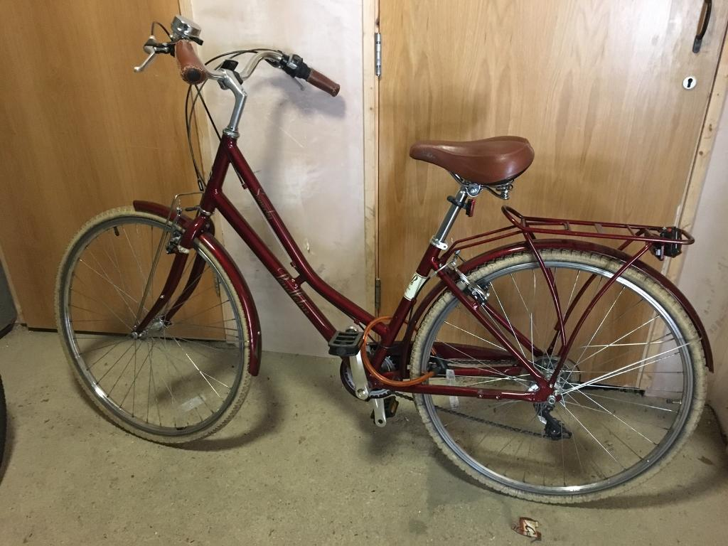 Pendleton Somerby Hybrid Bicycle Red £180