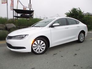 2016 Chrysler 200 LX (ONLY 600 KMS!!! 2.4L 4 CYL, AUTOMATIC TRAN
