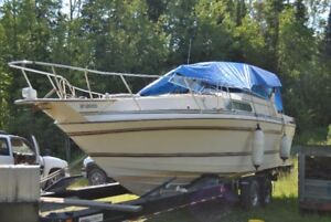 35ft cabin cruiser on lake of the woods