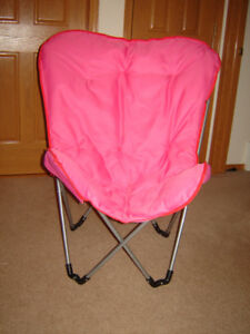 Like New Padded Butterfly Chair (fold for easy storage)