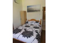 En-suite Double room in Hendon Central.All bills included!