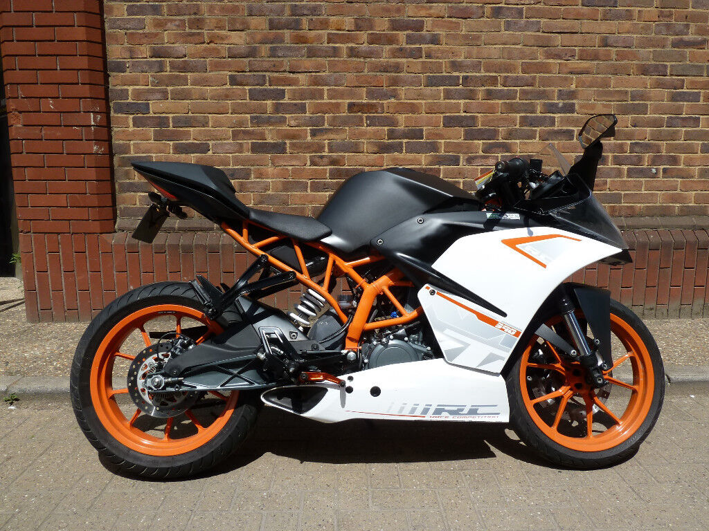 ktm 390rc 390 rc 2014 mot warranty 4 325 miles ride on a2. Black Bedroom Furniture Sets. Home Design Ideas