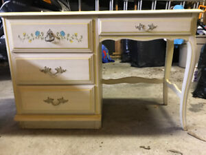 Classic Student Desk w/drawers