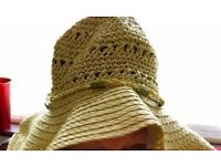 LADIES DESIGNER SUMMER HAT - EXCELLENT CONDITION - £20 ONO