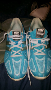 Nike. MAX trainer excel Size 10